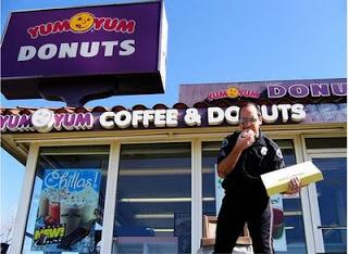 cops-love-donuts-funny